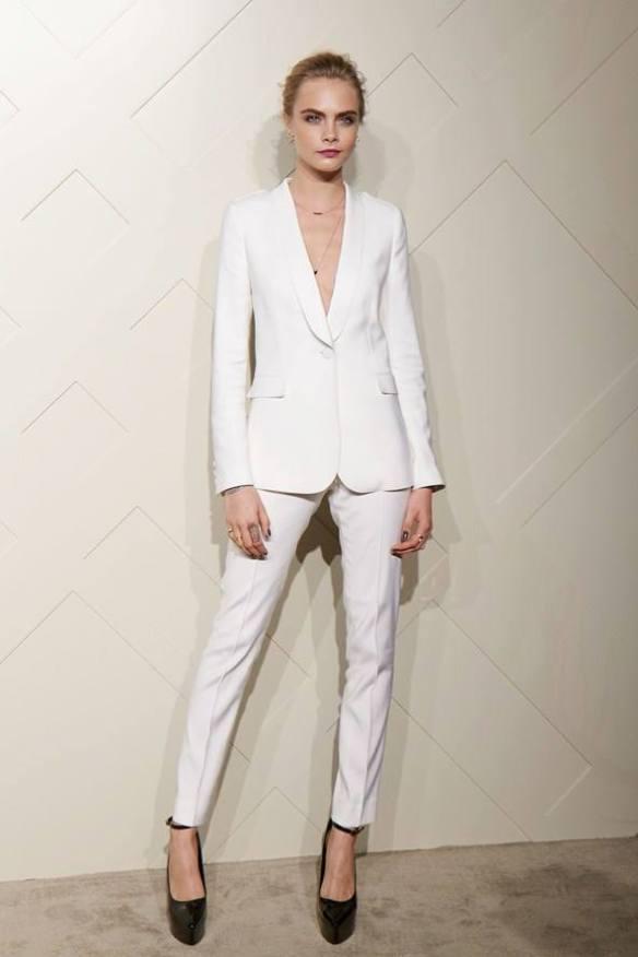 HC Blog 25:12:13 white suit
